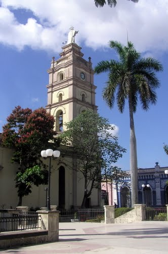 Camagüey, Catedral Metropolitana de Nuestra Seňora de la Candelaria- Foto panoramio- http://www.panoramio.com/photo/50989151