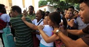Represión a opositores y Damas de Blanco, La Habana, 10 de diciembre de 2013. (EP)