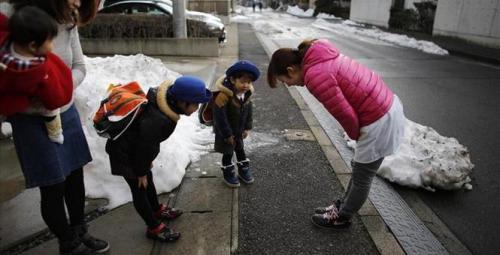 2014-03-10T004644Z_1_CBREA29026400_RTROPTP_3_JAPAN-FUKUSHIMA-CHILDREN